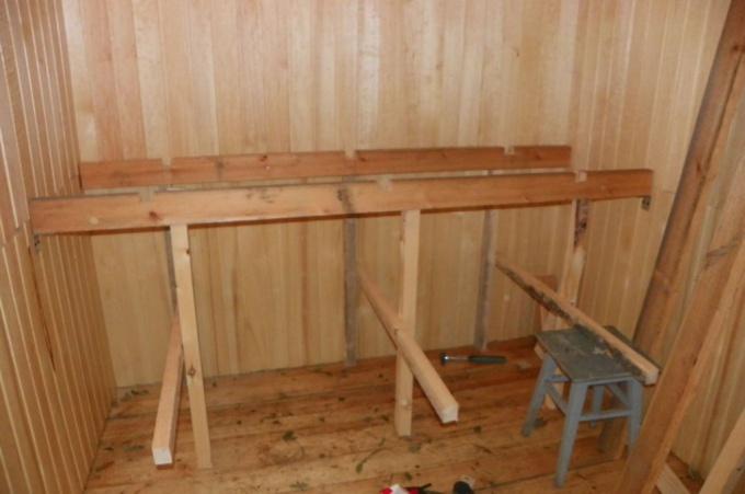 Сооружение полок в бане