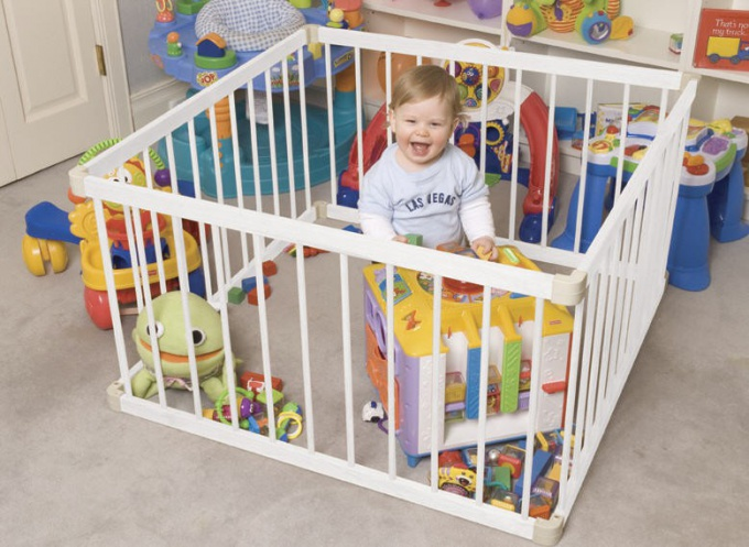 How to choose a playpen for the baby?