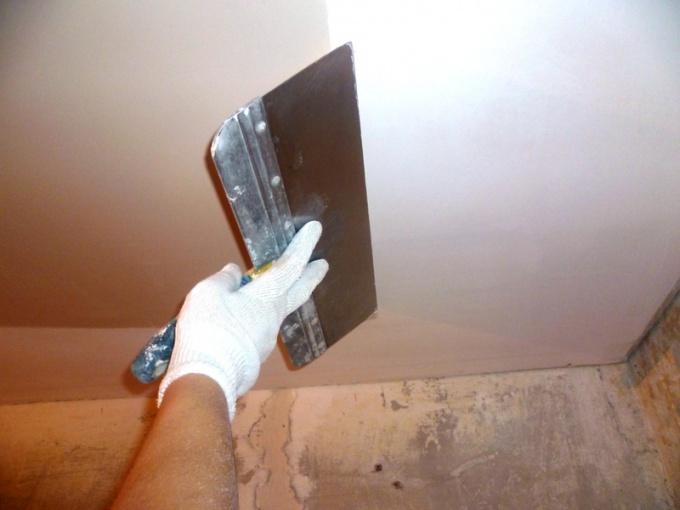 Как выровнять потолки: несколько вариантов