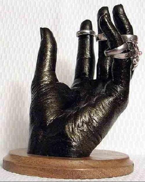 Кованые руки