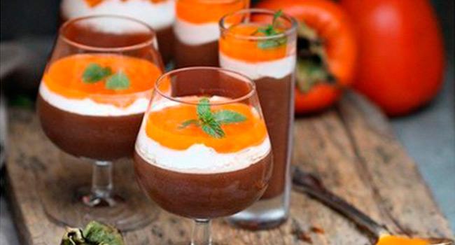 Творожно-шоколадный десерт с хурмой