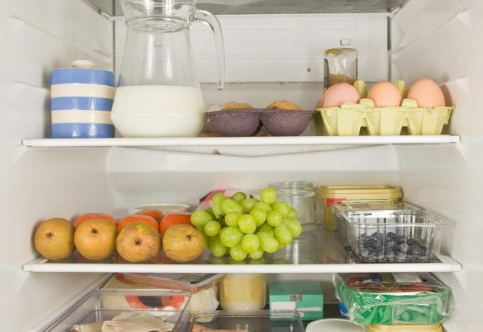 Какие продукты не стоит хранить в холодильнике