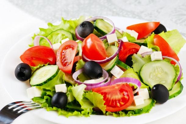 Греческий салат или деревенский салат, хорьятики