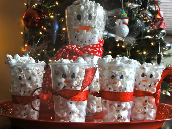 Снеговик из попкорна своими руками