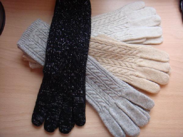 Нужный аксессуар: шерстяные перчатки