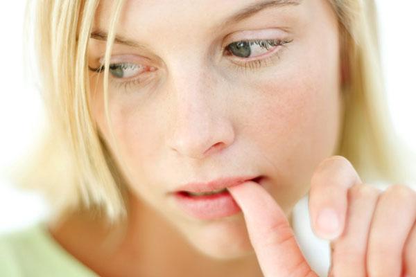 Как перестать грызть ногти на руках
