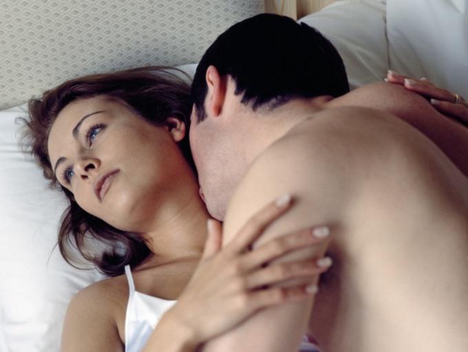Почему женщины имитируют оргазм во время секса — Секс
