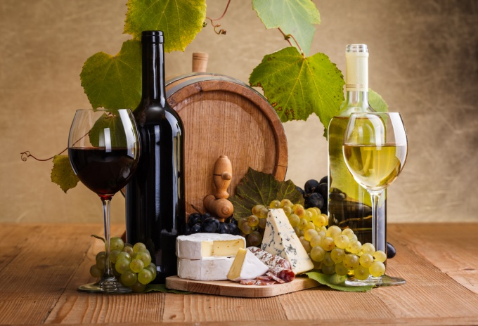 Как правильно выбрать сыр к вину