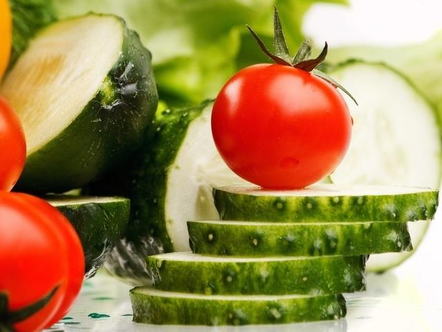 Правда ли, что помидор и огурец - ягоды?