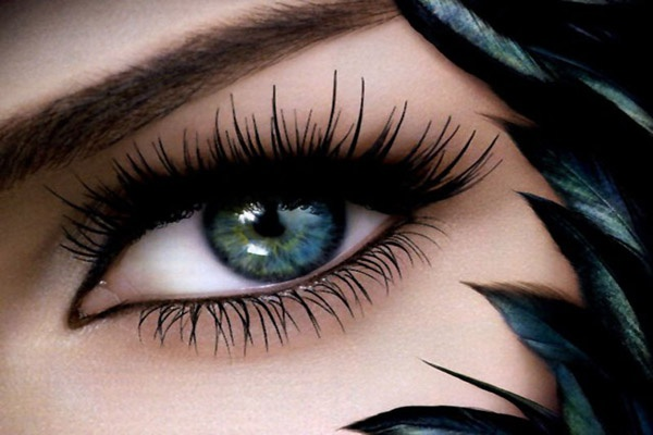 Eyelash extensions: types and technologies