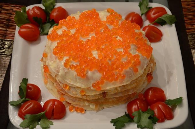Блинный торт с семгой