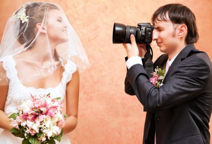 Фотограф и видеограф.