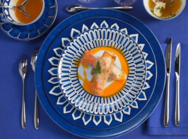 Синий цвет и маленький объем должен быть у вашей тарелки
