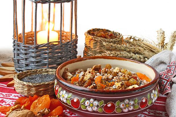 Постные блюда: салат из свеклы с грецкими орехами, картофельный рулет, сбитень