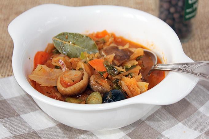 Аппетитная солянка с грибами