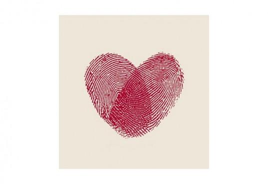Сердце из отпечатков пальцев