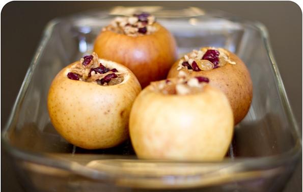Как приготовить запеченные яблоки с начинкой