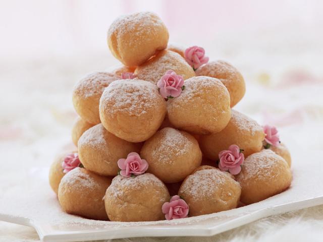 Как приготовить пончики с черносливом