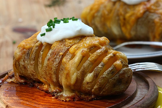 Как запечь картошку с пармезаном в духовке