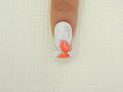 Как нарисовать цветочные лепестки на ногтях