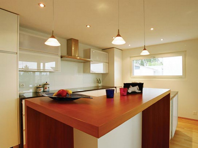 Какие потолки лучше для кухни