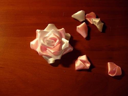 Как сделать розочку из лент