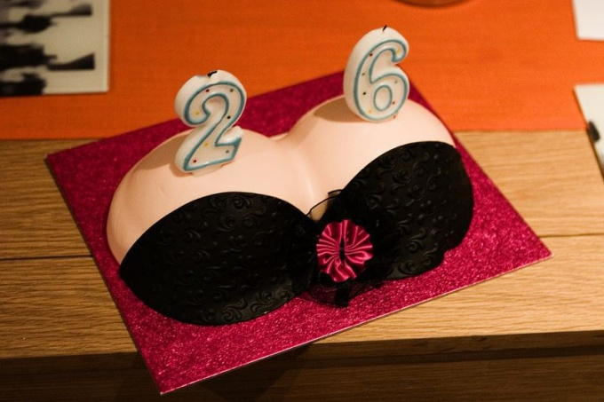 How to make a cake in the shape of the female breast