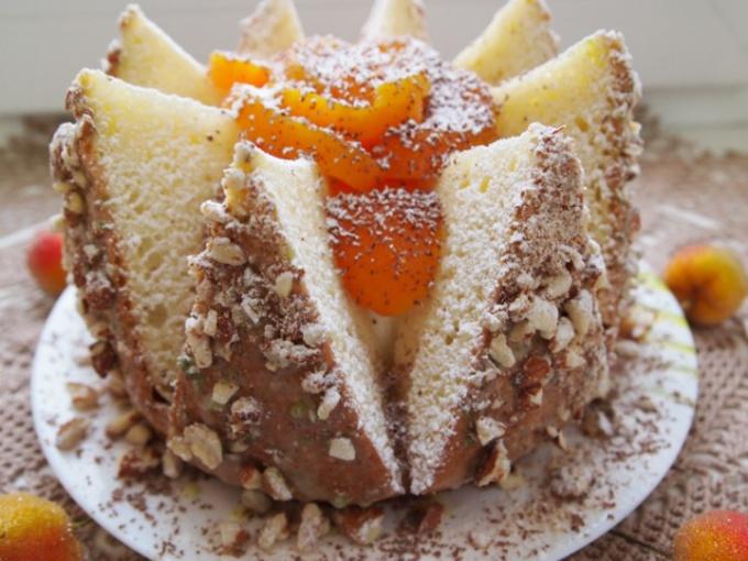 Торт «Персиковый вулкан».