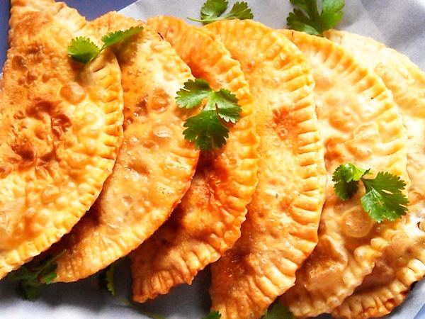Чебуреки с мясом - сытное и вкусное блюдо