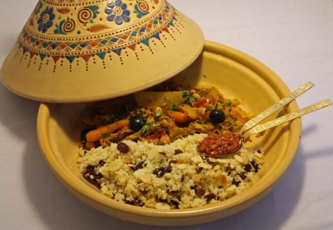 Марокканский таджин с кускусом