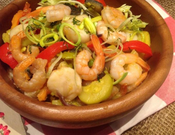 Соте из овощей с морепродуктами