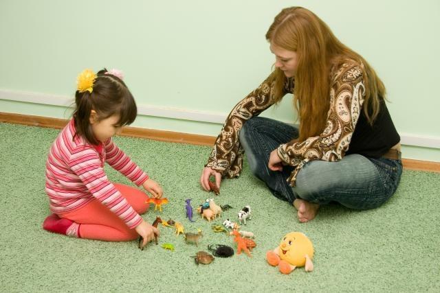 """Позиция """"рядом"""" оптимальна при общении с детьми"""