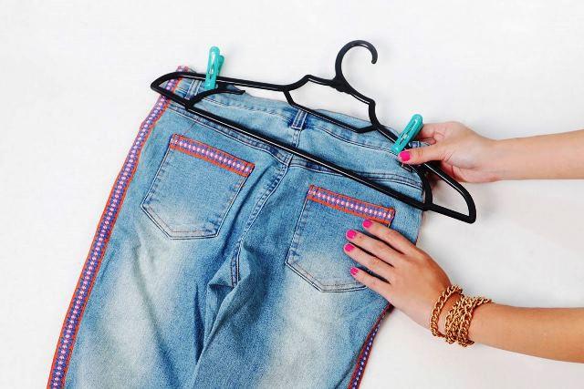Как отстирать краску с джинсовых брюк