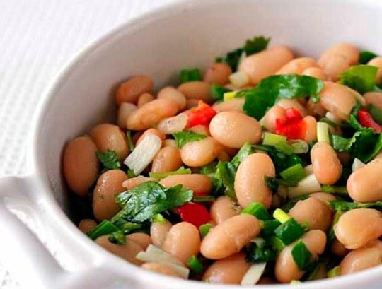 Рецепт салата из консервированной фасоли