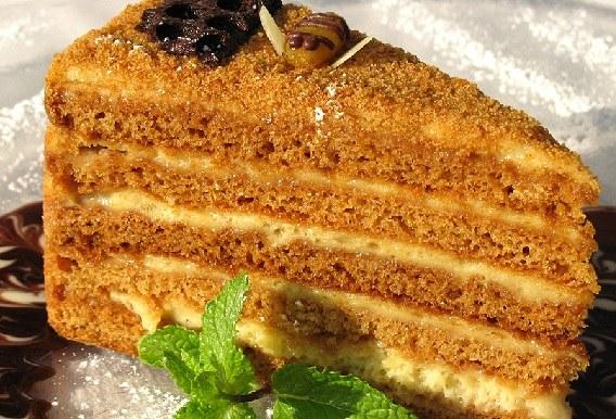 How to prepare a delicious cream cake