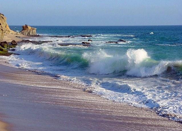 К чему снится море с большими волнами