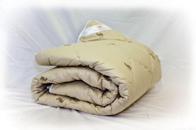 Какое одеяло лучше: из овечьей или верблюжьей шерсти?