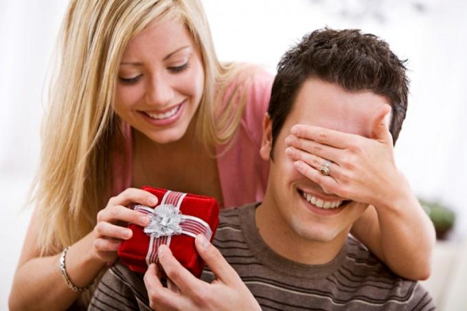 Что подарить своему парню