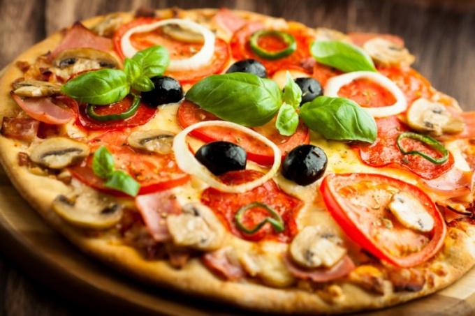 Как приготовить пиццу за 10 минут