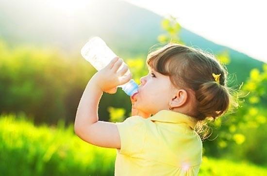 Сколько должен ребенок съедать смеси