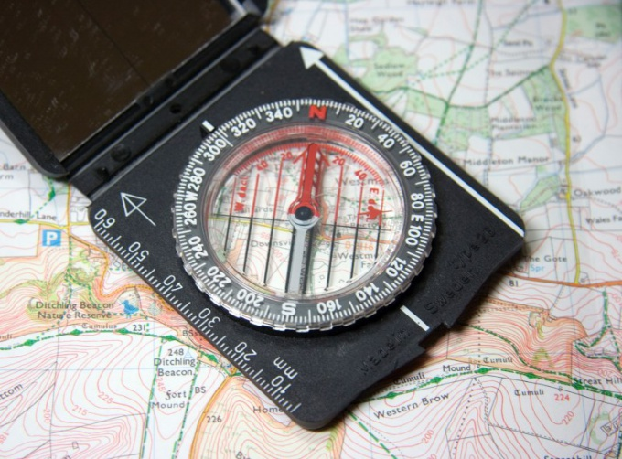 При топографическом кретинизме помогут компас и карта
