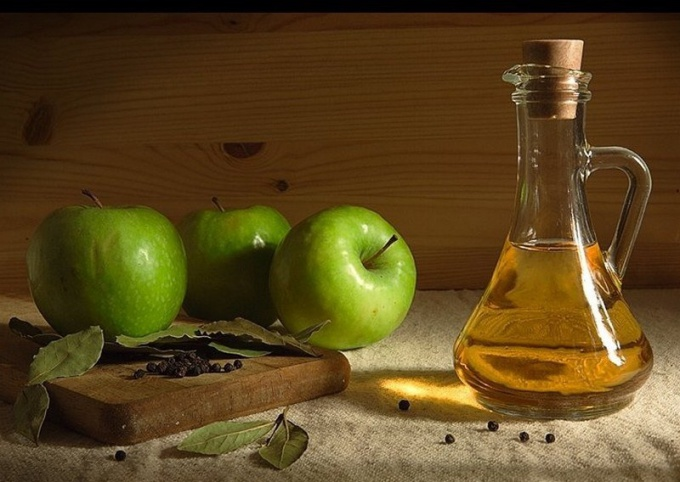 The benefits and harms of Apple cider vinegar