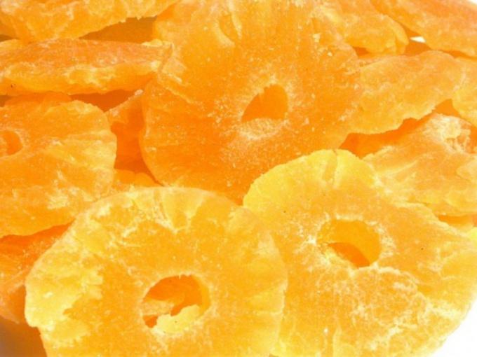 Чем полезны сушеные ананасы