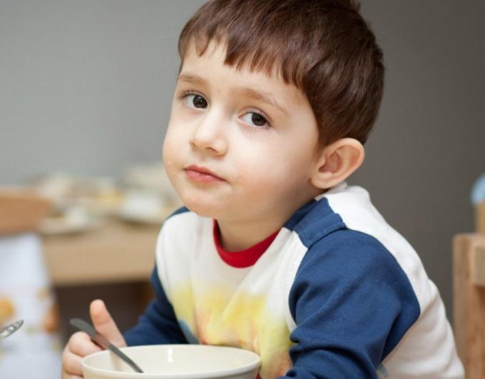 Обед в детском саду состоит из четырех блюд