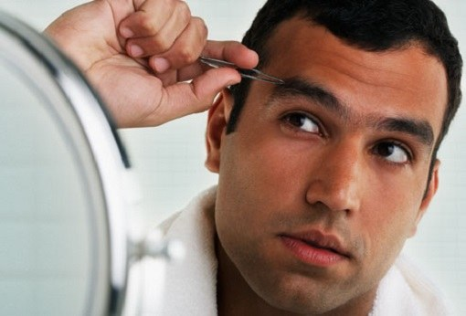 Как сделать коррекцию бровей мужчине