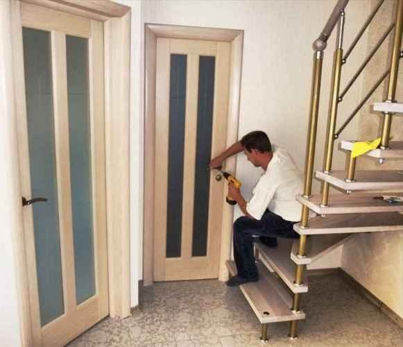 Установка межкомнатной двери после ремонта