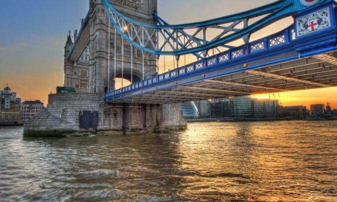 Сколько рек протекает в Англии