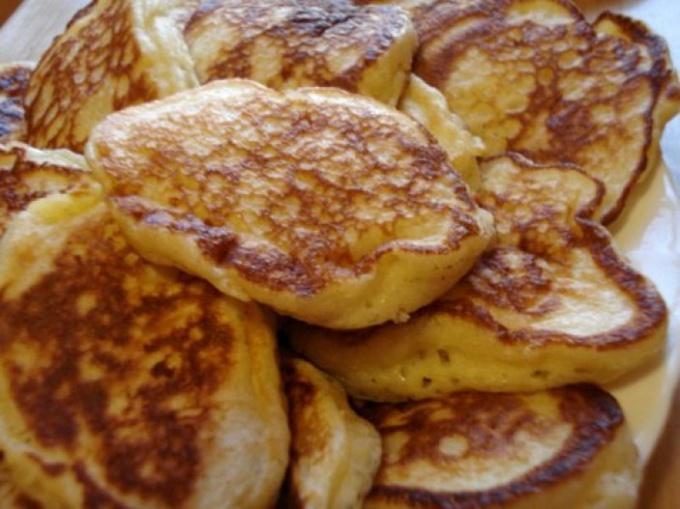 Как приготовить оладьи на молоке или кефире