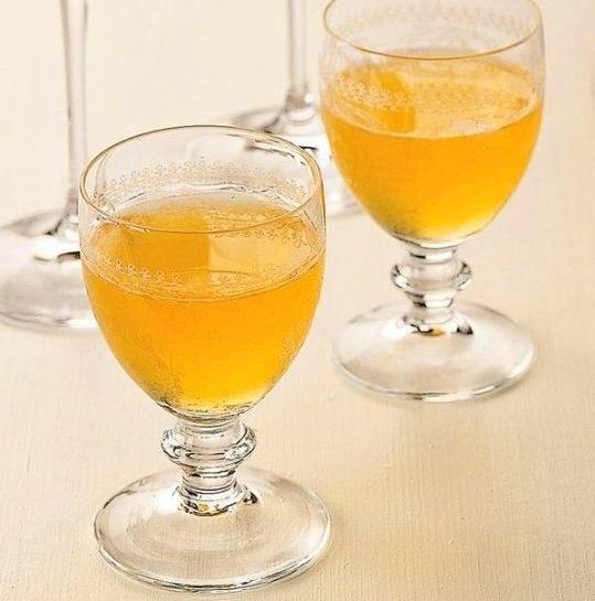 Recipe apricot liqueur