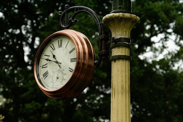 На смену часам на батарейках и механическим часам пришли часы атомные